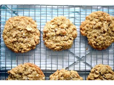 Овесени бисквити с фъстъчено масло